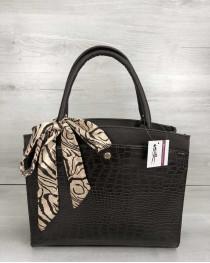 Классическая женская сумка Бьянка коричневого цвета со вставкой коричневый крокодил