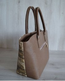 Классическая женская сумка Две змейки кофейного цвета