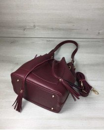 Молодежная сумка из эко-кожи  Люверс бордового цвета