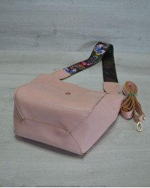 Женская сумка из эко-кожи  яркий ремень пудрового   цвета