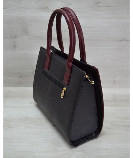 Женская сумка Бочонок черный крокодил с бордовым гладким