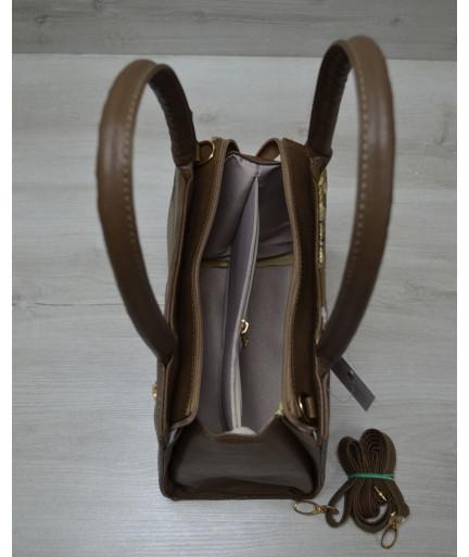 Классическая женская сумка Треугольник кофейного цвета с кофейной змеёй