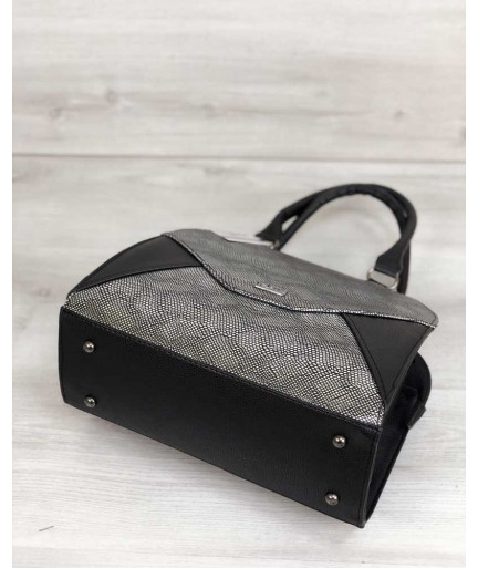 Женская сумка Конверт черного цвета со вставкой серебро