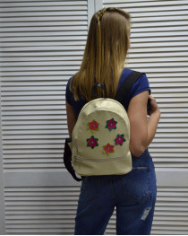 Молодежный женский рюкзак «Цветочки» бежевого цвета