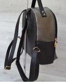 Рюкзак сверху шипы черный  с металиком