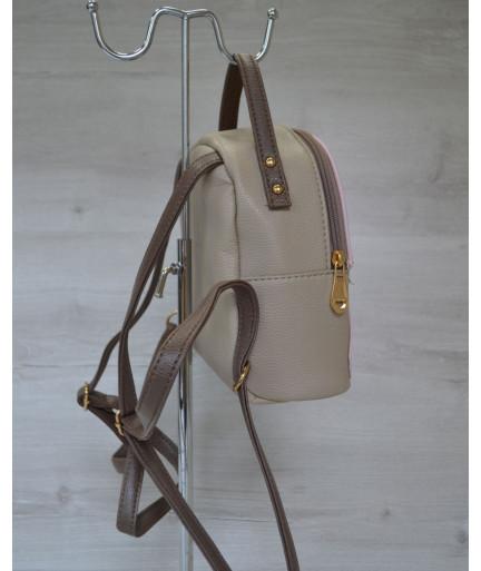 Маленький рюкзак розового цвета