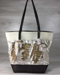Сумка Резинка бежевого цвета с пайетками серебро-золото