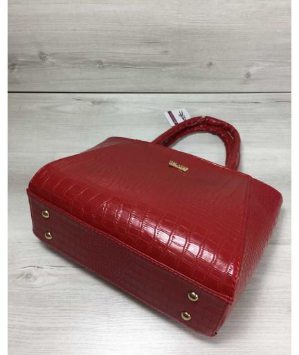Женская сумка красного цвета