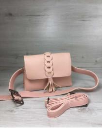 Женская сумка на пояс- клатч Белла пудрового цвета с плетением и кисточкой