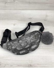 Женская сумка Бананка с пушком серая змея (никель)