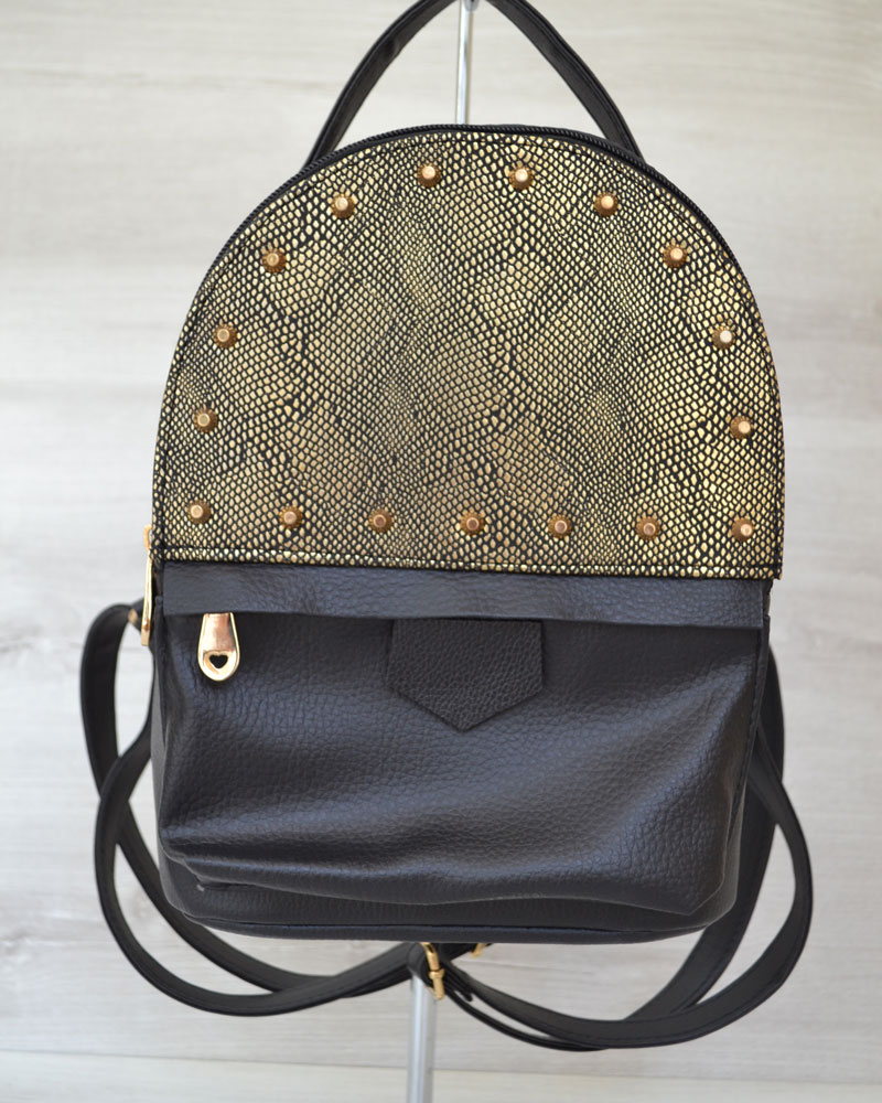Рюкзак сверху шипы черный  c золотом