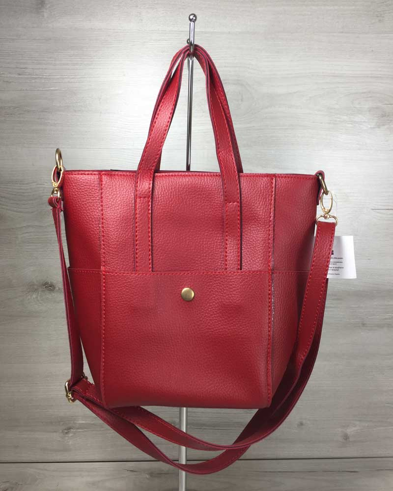 Молодежная женская сумка Милана с классическим ремнем красного цвета
